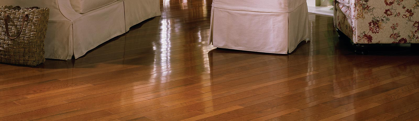 Hardwood Flooring Solid Engineered Prefinished Wood Floor